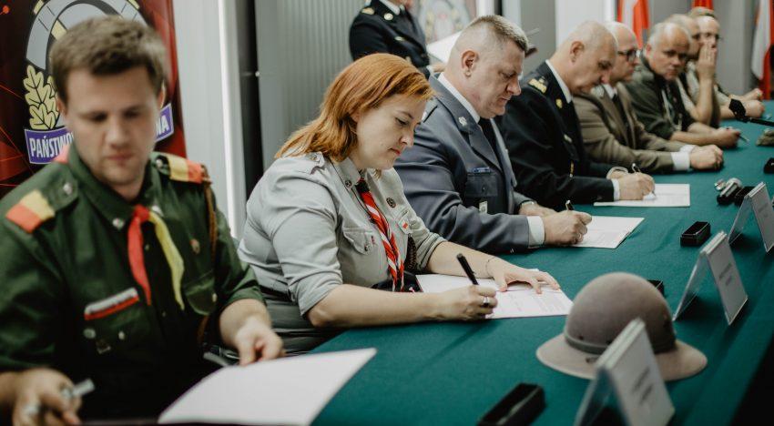 Harcerskie obozy jeszcze bardziej bezpieczne! Protokół uzgodnień podpisany